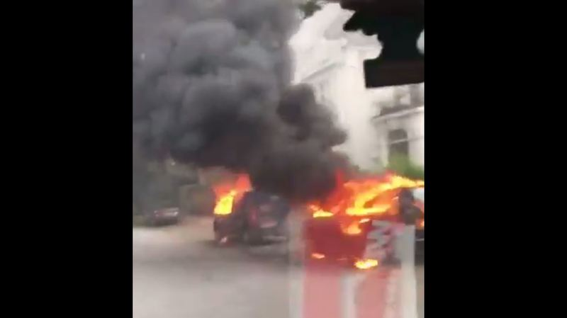G20 à Hambourg: nouveaux heurts vendredi, voitures de police incendiées