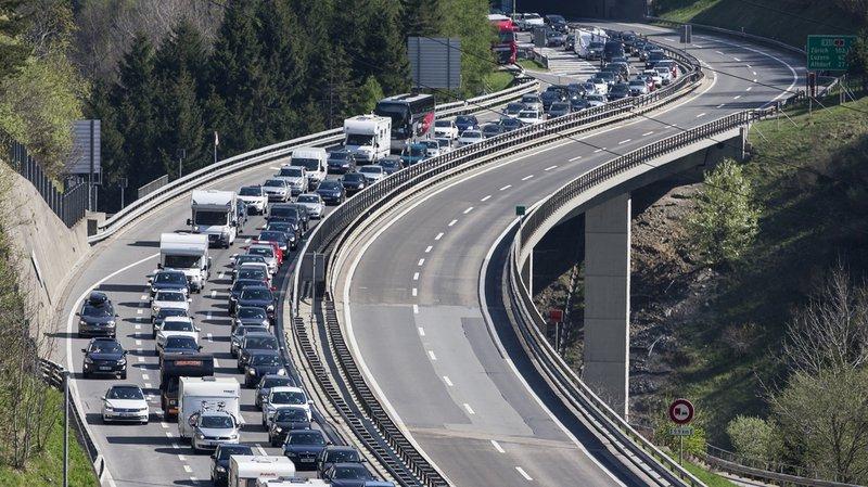 Plus que 3 km de bouchon à l'entrée nord du tunnel du Gothard