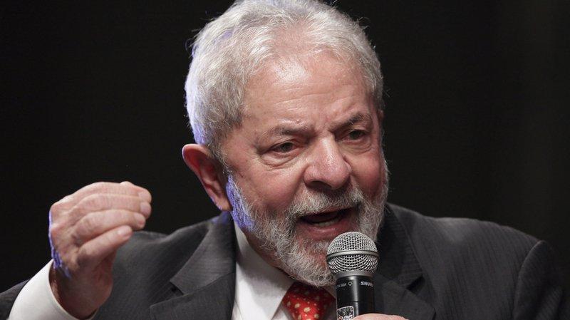 Brésil: l'ex-président Lula, condamné, fait appel