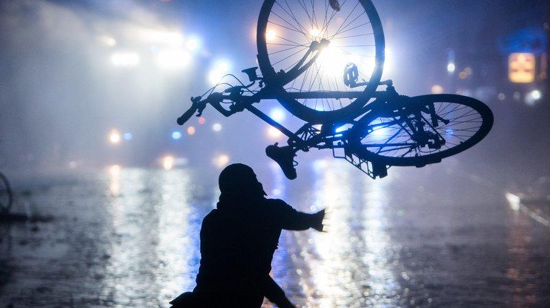 Allemagne: neuf Suisses ont été interpellés lors des émeutes anti-G20 à Hambourg
