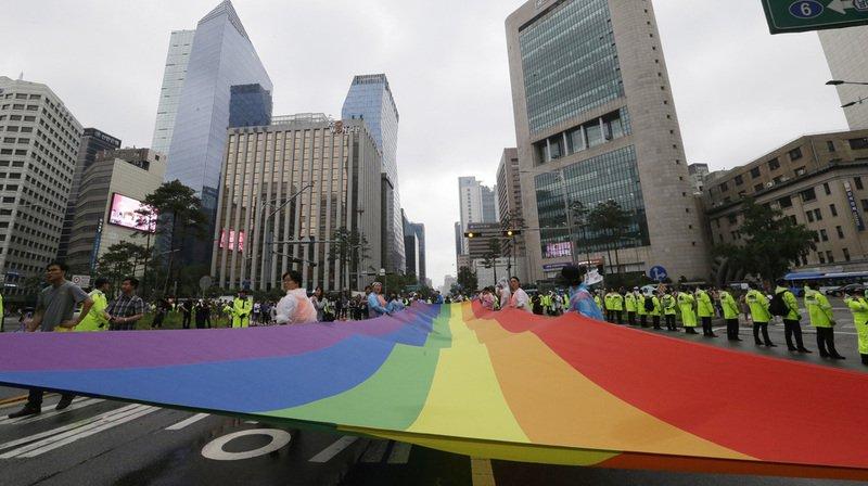17e Gay Pride à Séoul: des cathos tentent de bloquer le défilé de 10'000 personnes
