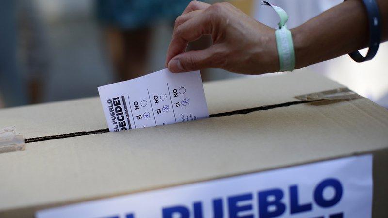 La participation au scrutin, jugé illégal par Nicolas Maduro, se rapproche sensiblement des 7,7 millions de suffrages remportés par l'opposition aux dernières élections législatives de décembre 2015.