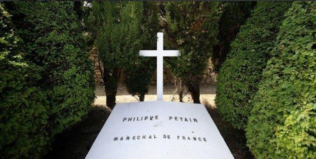 France: la tombe du maréchal Pétain a été vandalisée