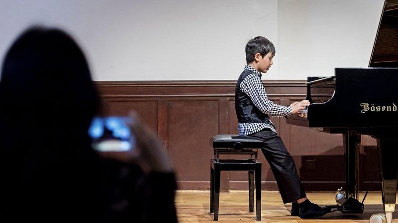 De jeunes prodiges du piano sous l'oeil critique des experts, à Couvet