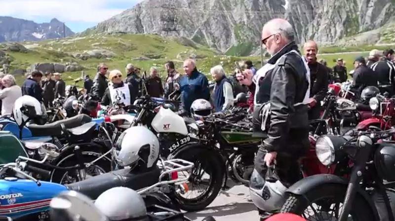 Une centaine de moto anciennes ont franchi dimanche le Gothard à l'occasion de la 35ème rencontre des Oldtimer.