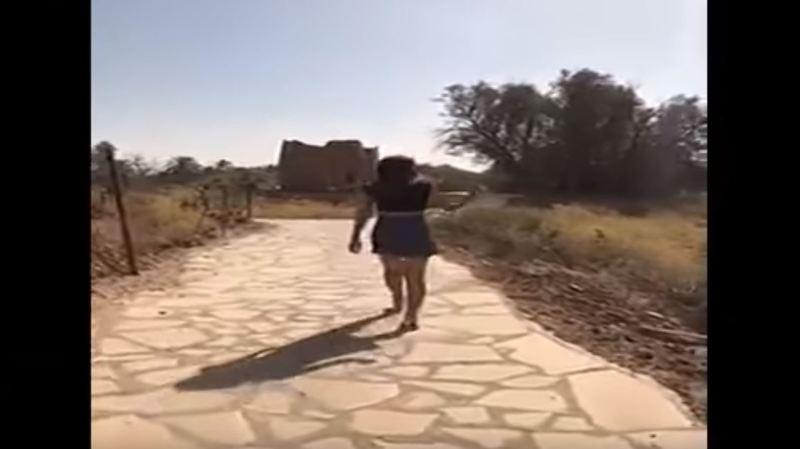 Arabie saoudite: la jeune femme convoquée par la police pour avoir porté une minijupe sur un site historique a été libérée