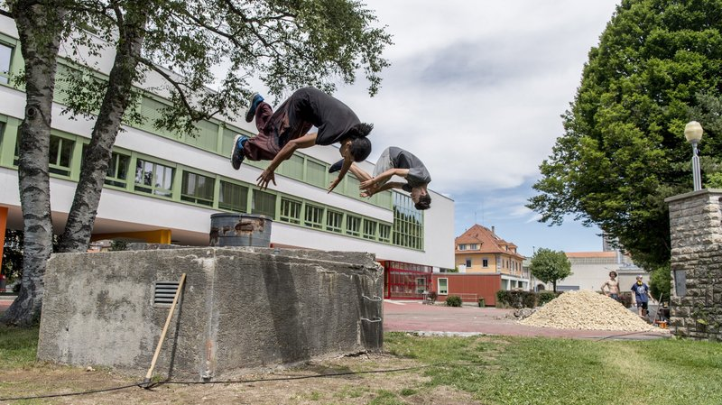 Le Locle: skateurs et free-runners en action aux Jeanneret
