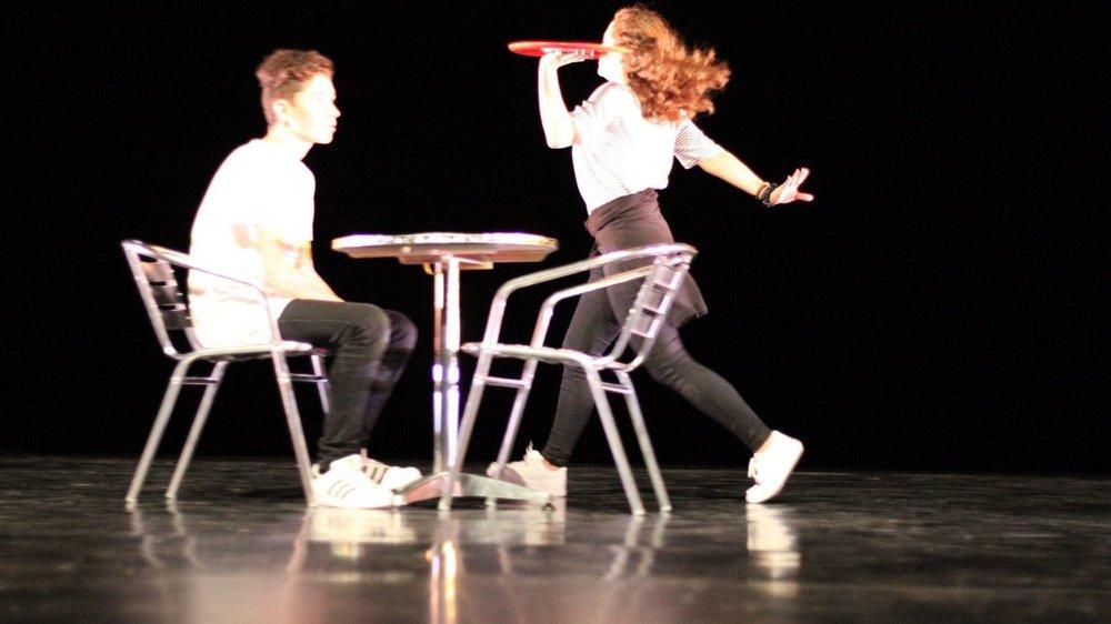 Résodanse présente une pièce chorégraphique sur un imbroglio amoureux.