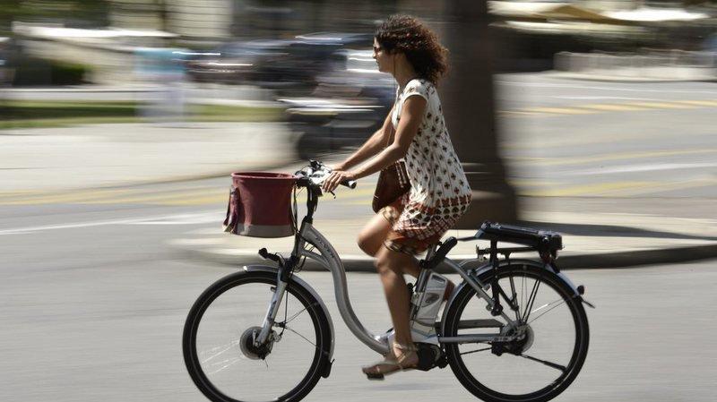 Vélo électrique rapide: un cycliste sur six fait fi du casque