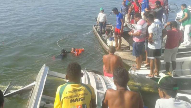 Deux naufrages en deux jours au Brésil: au moins 41 personnes sont décédées