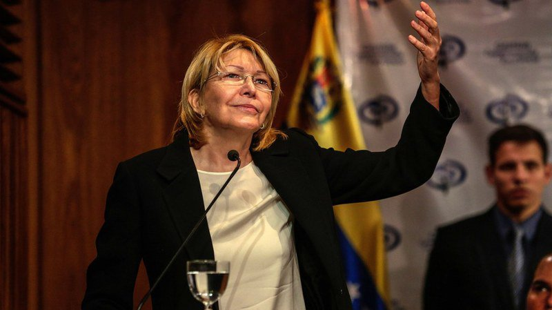 Venezuela: Luisa Ortega, magistrate engagée contre le président Nicolas Maduro, se fait démettre de ses fonctions