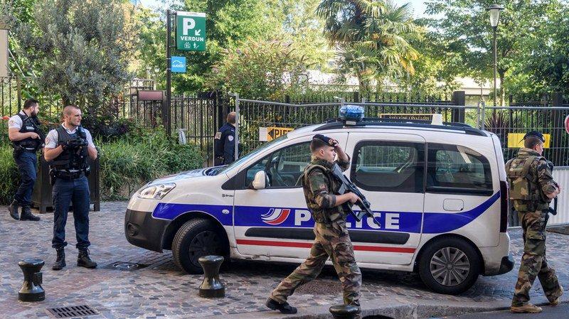 Attaque contre des militaires près de Paris: six blessés, un suspect arrêté