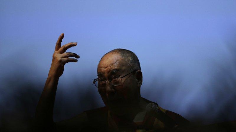"""Le dalaï lama, """"épuisé"""", renonce à sa visite au Botswana"""