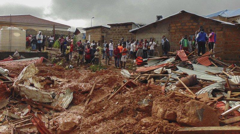 La capitale de la Sierra Leone, Freetown, a été ravagée par des coulées de boue et des inondations.
