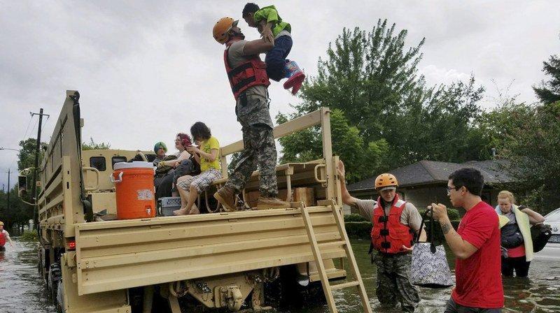 Etats-Unis: Harvey provoque des crues sans précédent à Houston