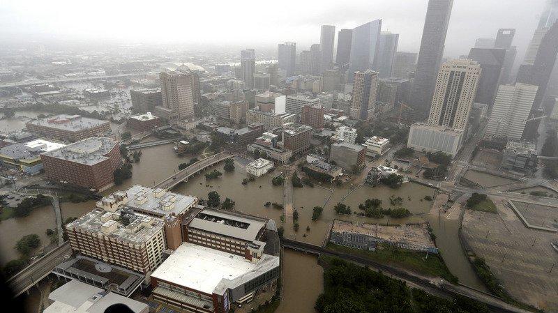 Tempête Harvey: la ville de Houston instaure le couvre-feu contre le pillage
