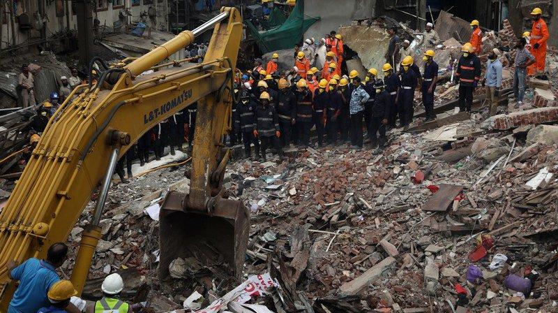 Inde: le bilan de l'effondrement d'un immeuble à Bombay passe à 33 morts