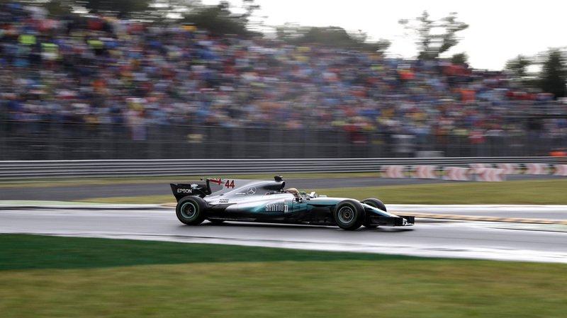 Formule 1: Hamilton bat le record de Schumacher en s'adjugeant une 69e pole position