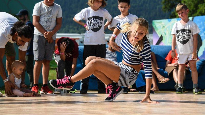 Démonstration de breakdance lors de la première édition du Festi'Valderuz, consacré à la culture hip-hop.