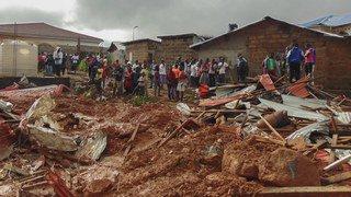 Sierra Leone: les secouristes à la recherche de survivants des coulées de boue