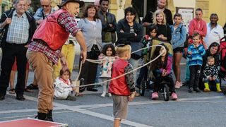 BUSKERS CGA14697