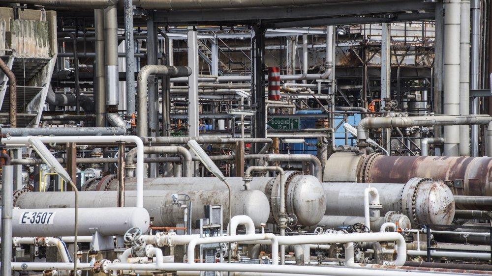 """La raffinerie engage de la main d'oeuvre étrangère """"par nécessité"""", lorsqu'elle est en arrêt de maintenance. C'est là que les abus surgissent."""
