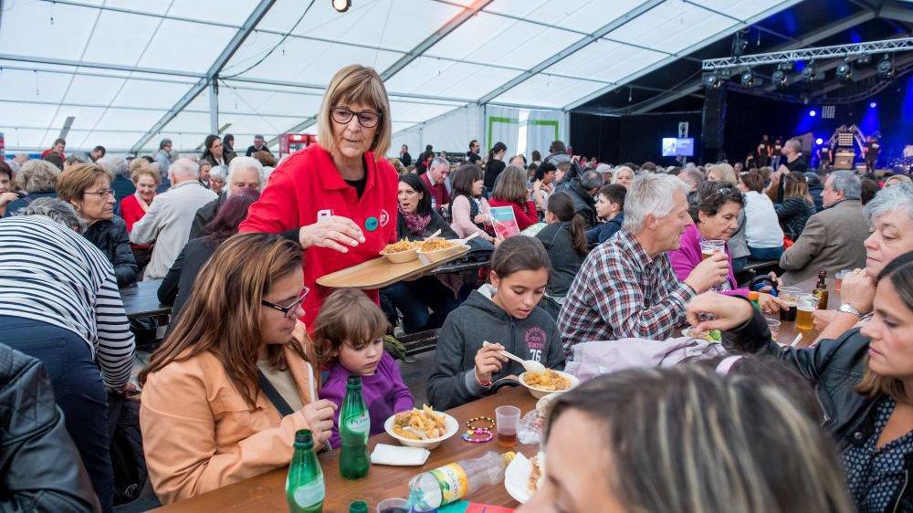 """Le repas de gala de """"Ola Portugal"""" n'avait pas attiré l'affluence espérée."""