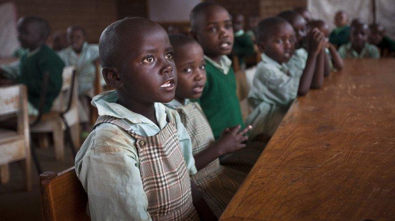 Pauvreté: des millions d'enfants restent incapables de lire et d'écrire après des années de scolarisation