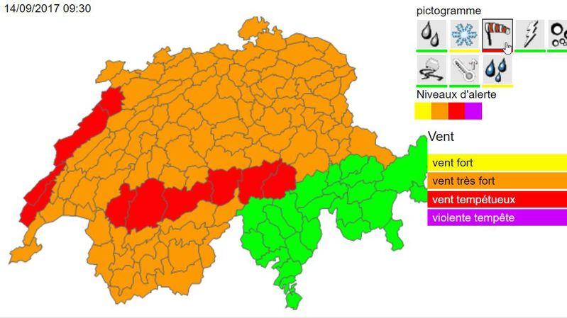 Une grande partie de la Suisse est en proie à des vents forts (Orange), d'autres subissent des vents tempétueux (Rouge).