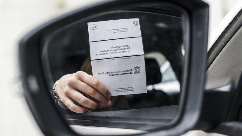 Soleure: il donnait les réponses de l'examen théorique du permis de conduire