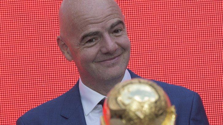 Le président de la FIFA est attaqué par un ancien membre de la commission de gouvernance.