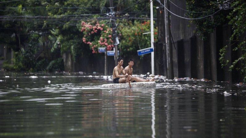 """La saison des typhons bat son plein en Asie. Le typhon """"Maring"""" a inondé lundi le nord des Philippines."""