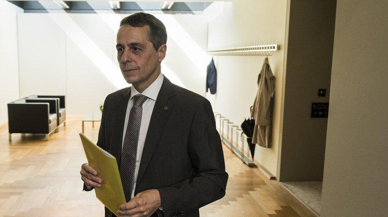 Succession Burkhalter: le groupe UDC soutient le Tessinois Ignazio Cassis, les Verts et PDC indécis