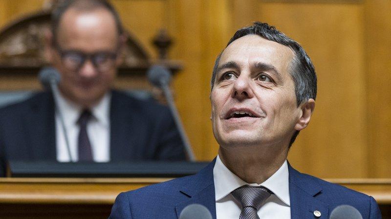Ignazio Cassis reprend le Département des affaires étrangères.