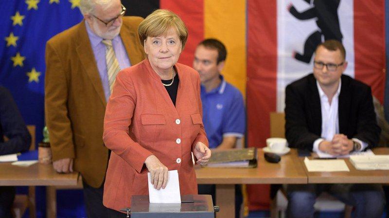 Législatives en Allemagne: la CDU de Merkel en tête, le parti d'extrême droite AFD fait son entrée au Bundestag