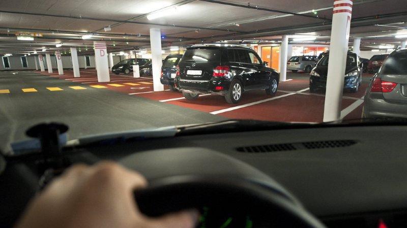 Stationnement: vers des places de parc plus chères pour les conducteurs de SUV