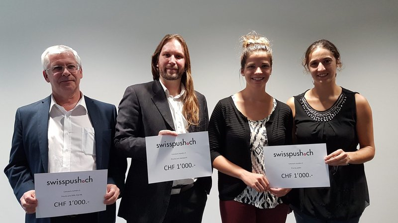 De gauche à droite: les lauréats Paul-André Hartmann,  Julien Chatillon-Fauchez, Laurane Dubosson et Sophie Gnaegi.