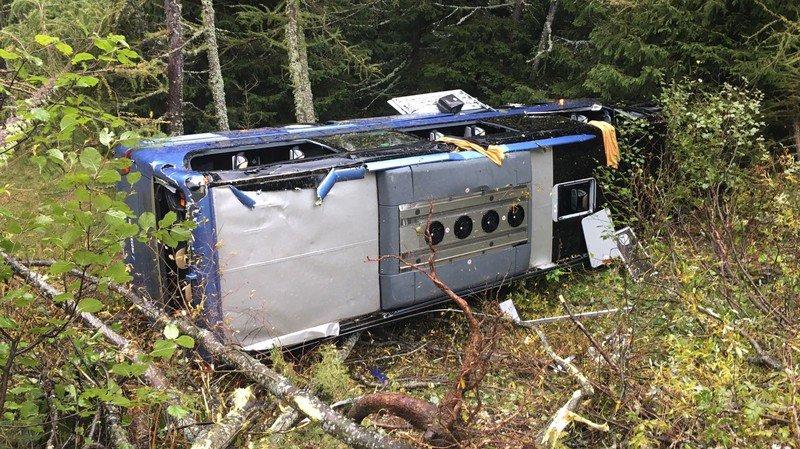 Ulrichen: plusieurs blessés ont pu rentrer chez eux après l'accident de car sur la route du Nufenen
