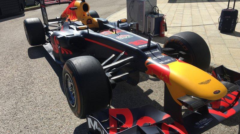 Un petit air de Formule 1 sur le parking de Tag Heuer à La Chaux-de-Fonds