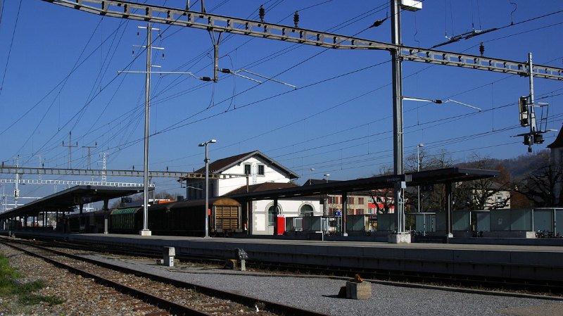 Thurgovie: une femme grièvement blessée par un train après une chute sur les rails