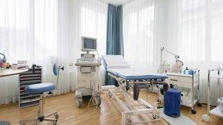 Un médecin chaux-de-fonnier condamné pour acte sexuel sur sa patiente