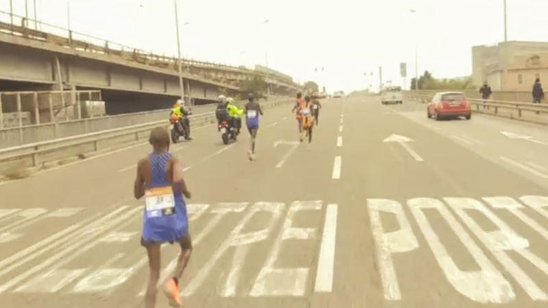 Les six coureurs se sont retrouvés sur le périphérique de la ville.
