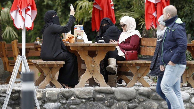 Le peuple suisse votera sur le port de la burqa.