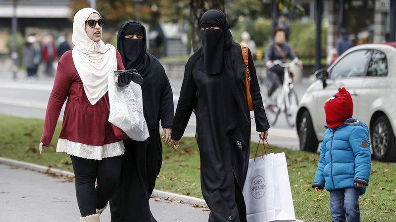 Pour le comité, l'Etat n'a pas à légiférer sur les vêtements des citoyens ou des touristes.