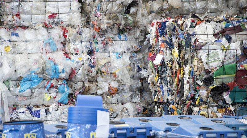 Recyclage: trier ses déchets plastiques des ordures ménagères est bon pour l'environnement