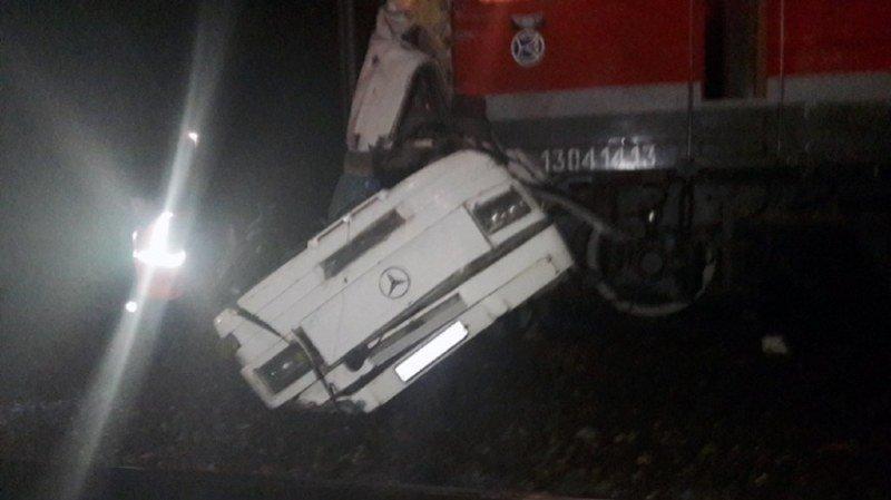 Russie: au moins 16 morts dans une collision entre un bus et un train