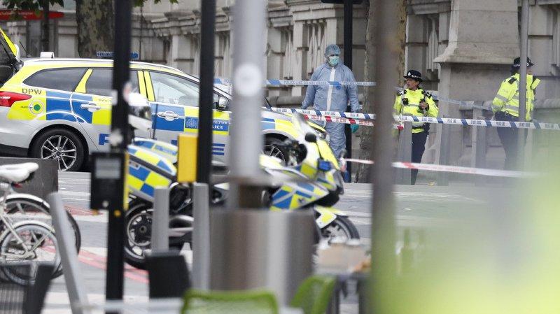 Londres: le conducteur qui a heurté plusieurs piétons a été remis en liberté