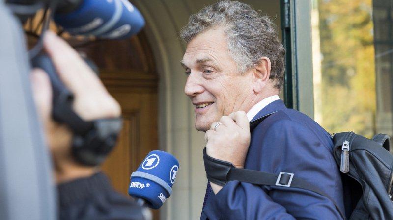 """""""Ils disent qu'il y a eu des versements d'argent de Nasser à moi contre la vente de droits à un tarif préférentiel. Mais je n'ai rien reçu de Nasser"""", déclare l'ancien secrétaire général de la FIFA."""