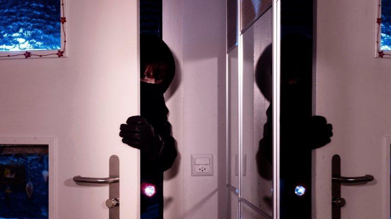 Le voleur et ses deux complices ont été interceptés 30 minutes après avoir été surpris dans les hauts de la ville.