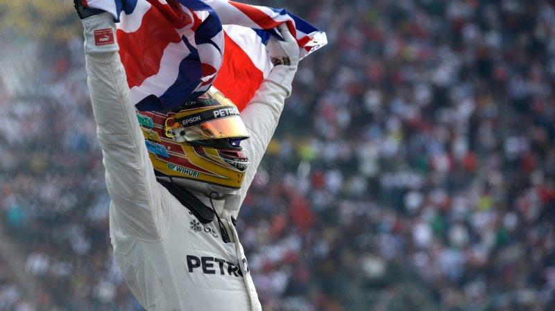 Lewis Hamilton a remporté le titre malgré un Grand Prix mouvementé  au Mexique.
